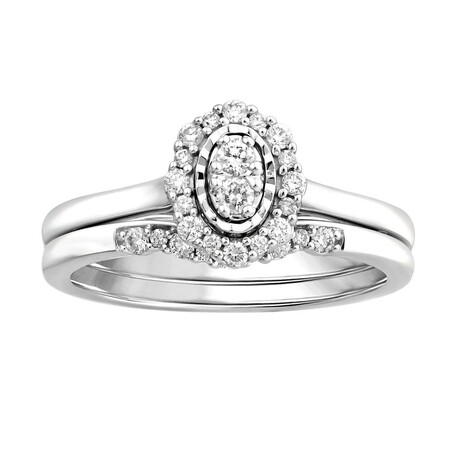 Bridal Set with 0.26 Carat TW of Diamonds in 10kt White Gold