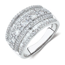 Ring with 1 1/2 Carat TW of Diamonds in 10kt White Gold