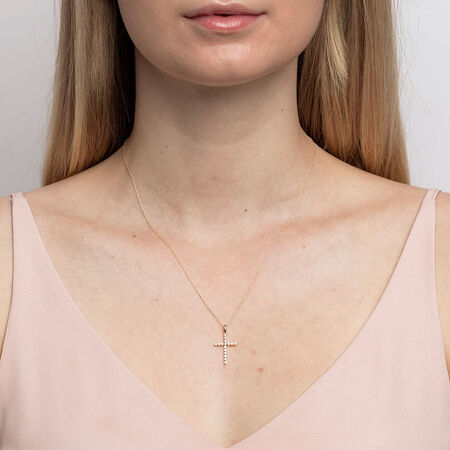 Cross Pendant with 1/4 Carat TW of Diamonds in 10kt Yellow Gold