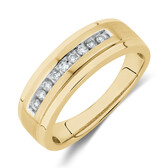 Ring with 1/7 Carat TW of Diamonds in 10kt Yellow Gold