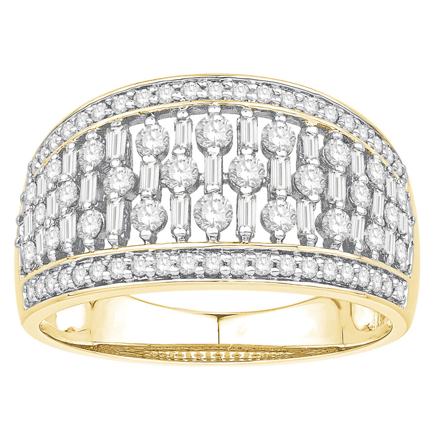 Ring with 0.90 Carat TW of Diamonds in 14kt Yellow Gold