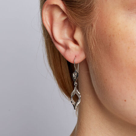Drop Earrings in 10kt White Gold