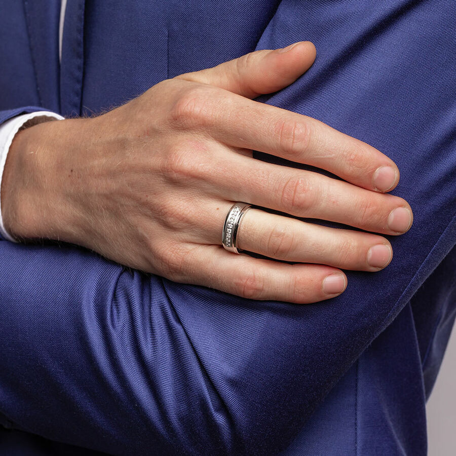 Men's Ring with 1 Carat TW of Diamonds in 10kt White Gold