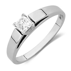 Solitaire Engagement Ring with a 0.29 Carat Diamond in 14kt White Gold