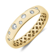 Hammer Set Ring with Diamonds in 10kt Yellow Gold