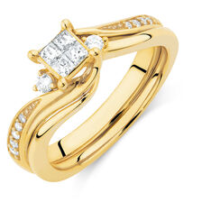 Bridal Set with 0.33 Carat TW of Diamonds in 10kt Yellow Gold