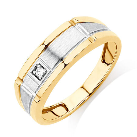 Men's Ring with a Diamond in 10kt Yellow Gold
