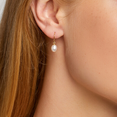 Drop Earrings With Cultured Freshwater Pearls in 10ct Yellow Gold