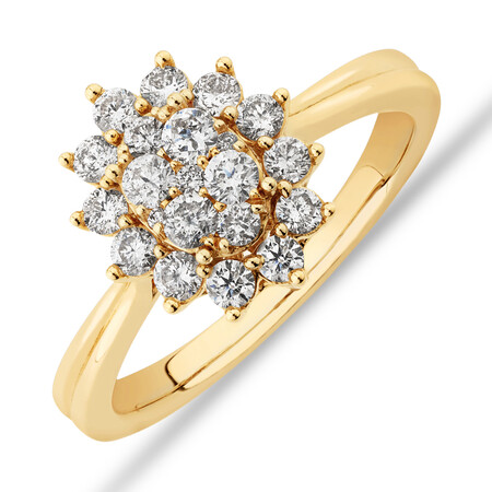 Oval Cluster Engagement Ring with 0.62 Carat TW Diamond in 14kt Yellow Gold