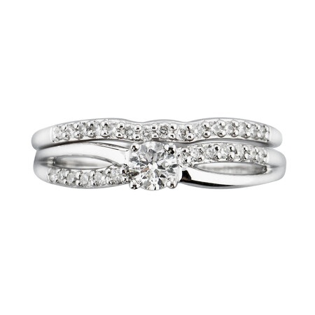 Bridal set with 0.42 Carat TW of Diamonds in 10kt White Gold