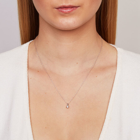 Solitaire Pendant with a 1/4 Carat Diamond in 18kt White Gold