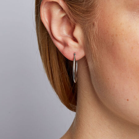 Oval Hoops in 10kt White Gold