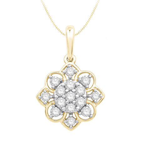 Cluster Pendant with 0.20 Carat TW of Diamonds in 10kt Yellow Gold