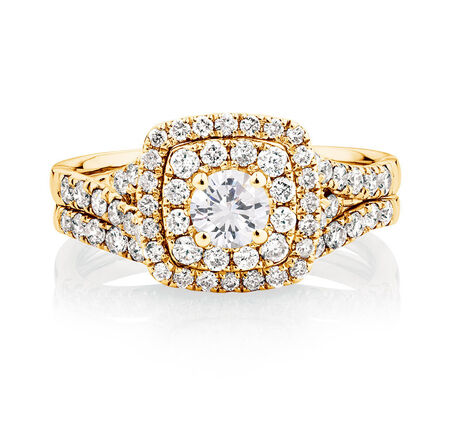 Bridal Set with 1.18 Carat TW of Diamonds in 14kt Yellow Gold