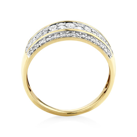 Ring with 0.70 Carat in 10kt Yellow Gold