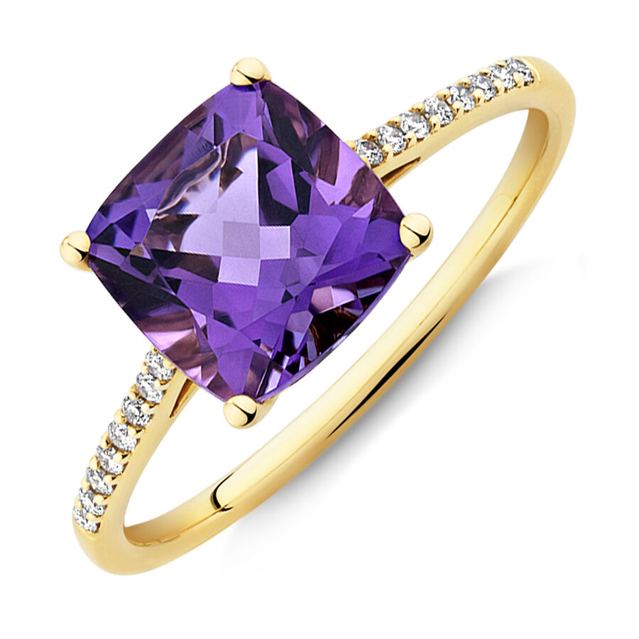 Ring with Amethyst & Diamonds in 10kt Yellow Gold
