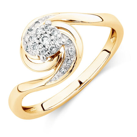 Engagement Ring with Diamonds in 10kt Yellow Gold