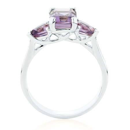 Ring with Amethyst in 10kt White Gold